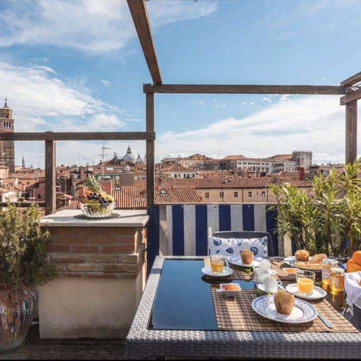 Outdoor Dining in Venice