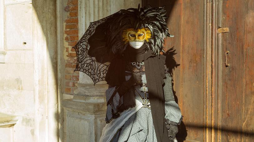 Carnival, the Venetian Oxymoron