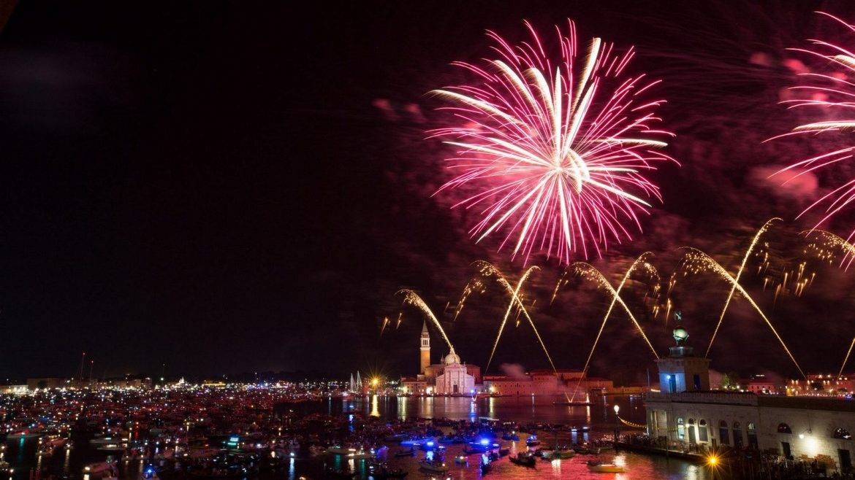 Bar-Tiepolo-Redentore-Festival-Venice-Westin-Europa-Regina-Fireworks