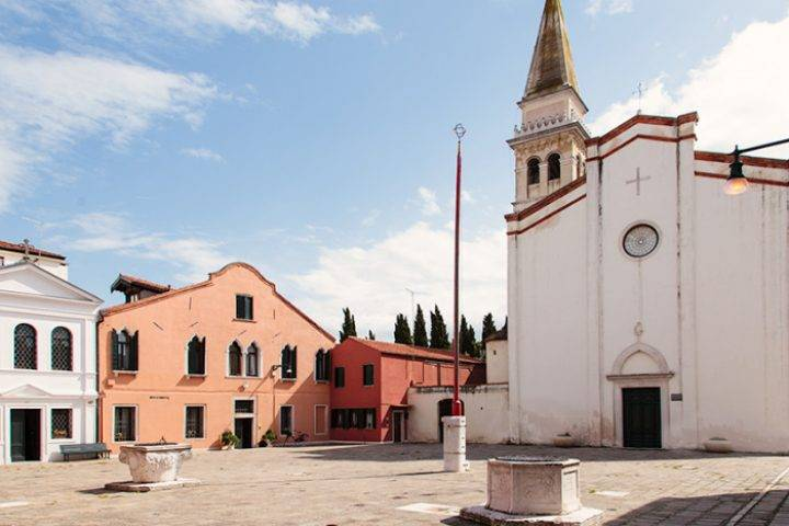 church in malamocco venice entouriste 720x480