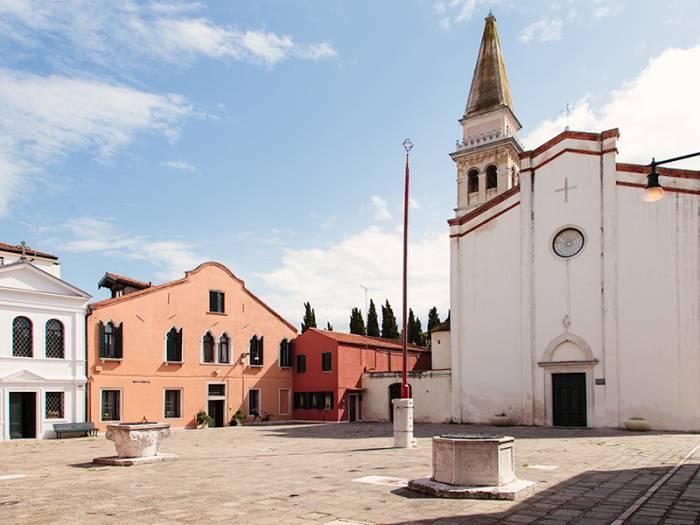 church in malamocco venice entouriste