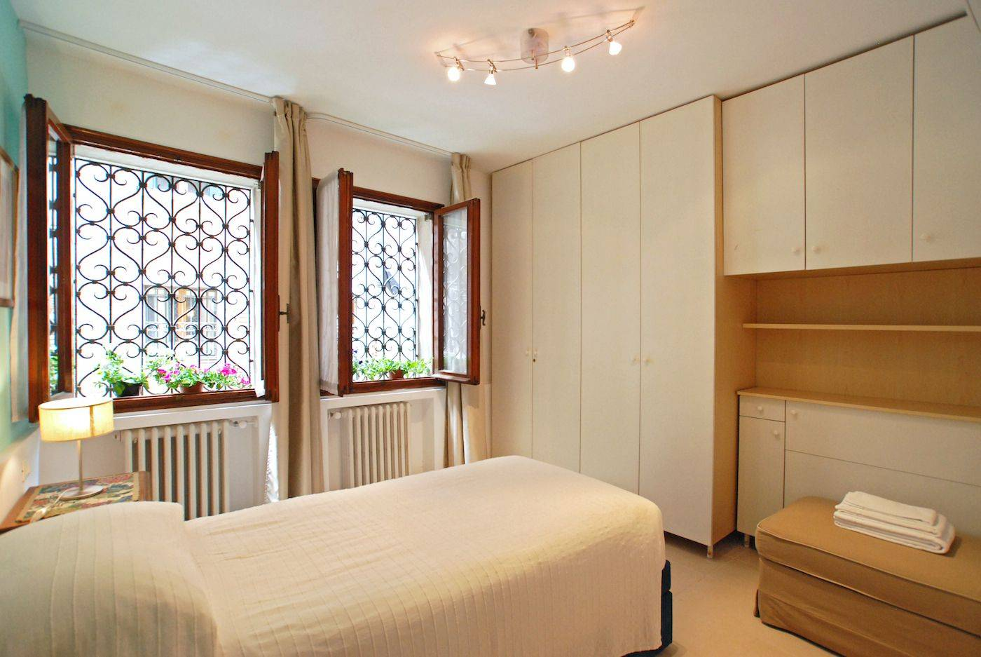 single / twin bedroom with big wardrobe