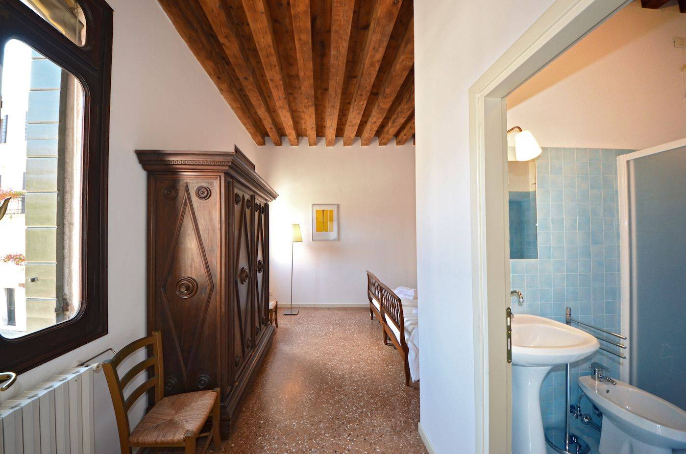 master bedroom with ensuite bathroom and view on Campo