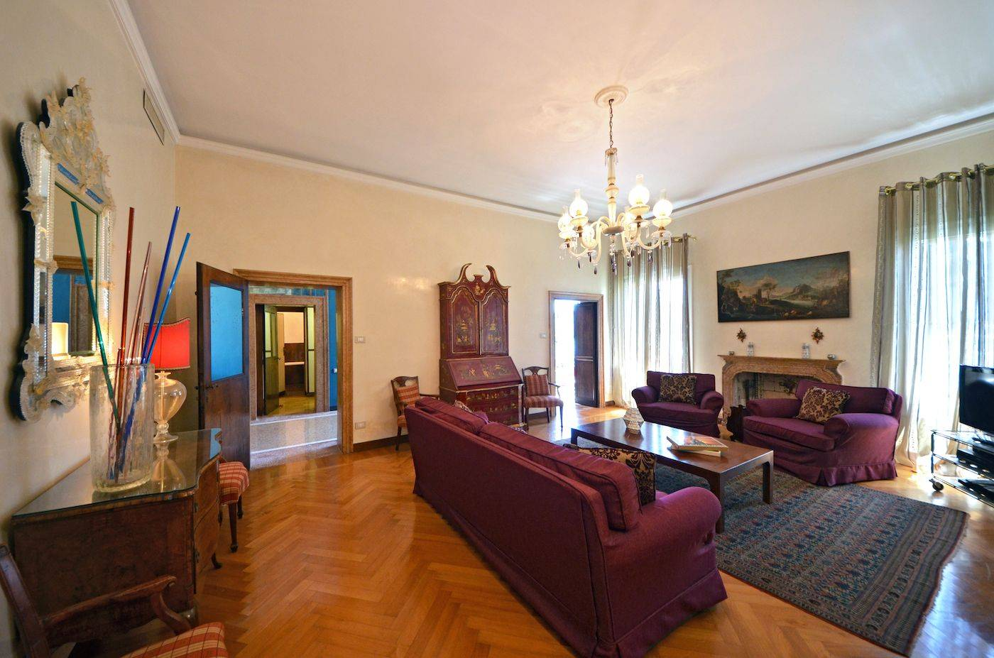 elegant and spacious living room of the Dogaressa apartment