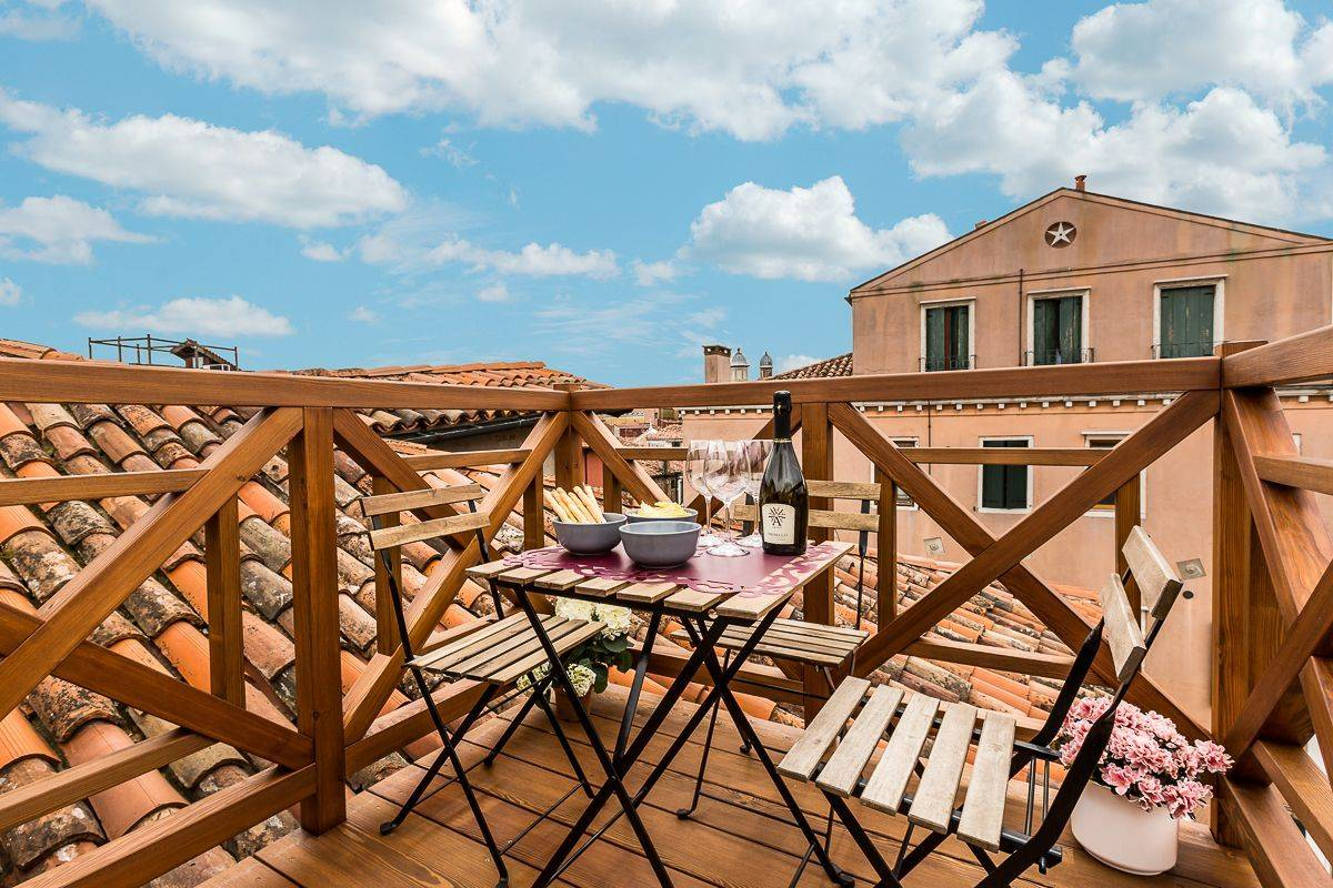 roof-top terrace of Guardi apartment