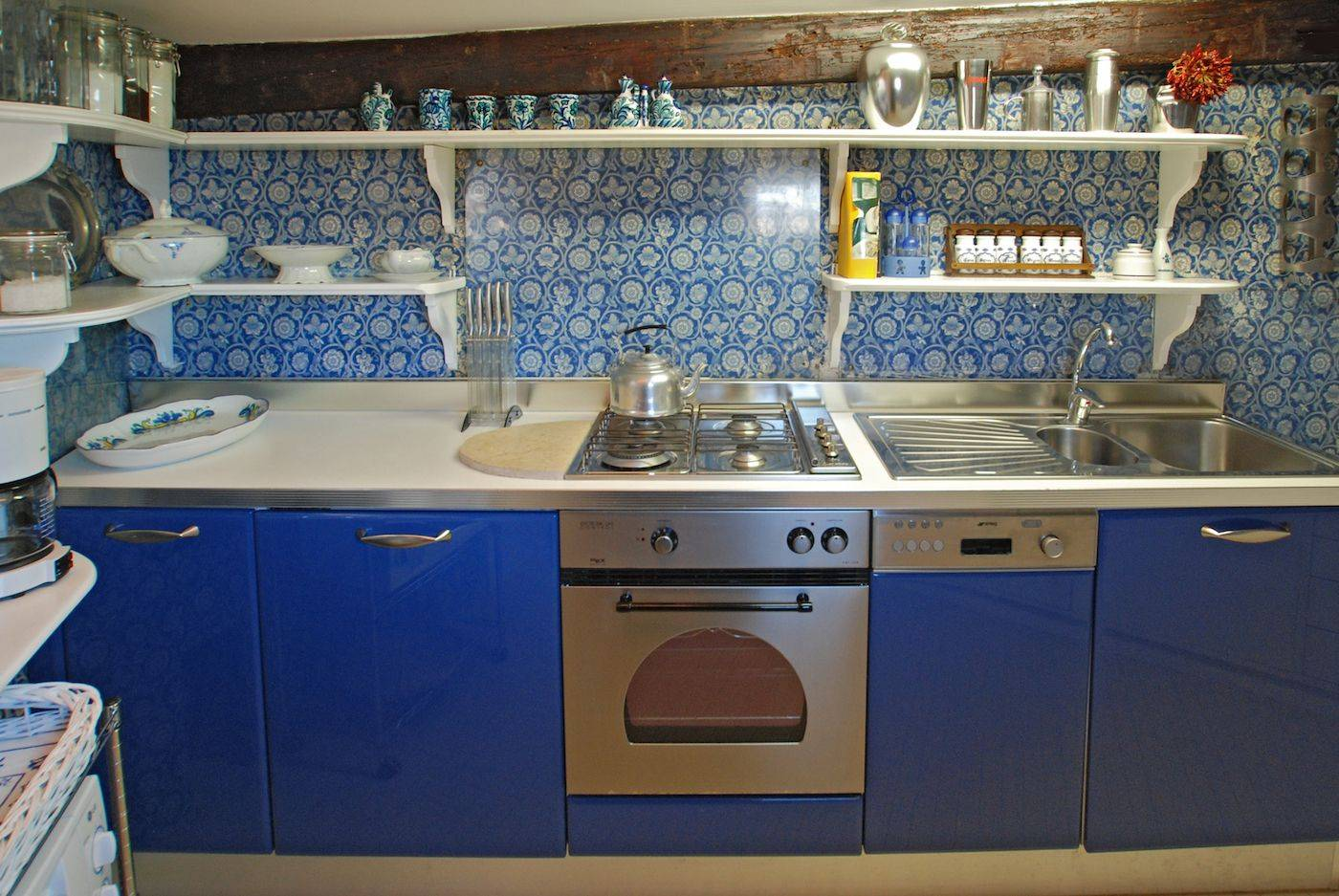 in the attic level there is a compact but well equipped kitchen