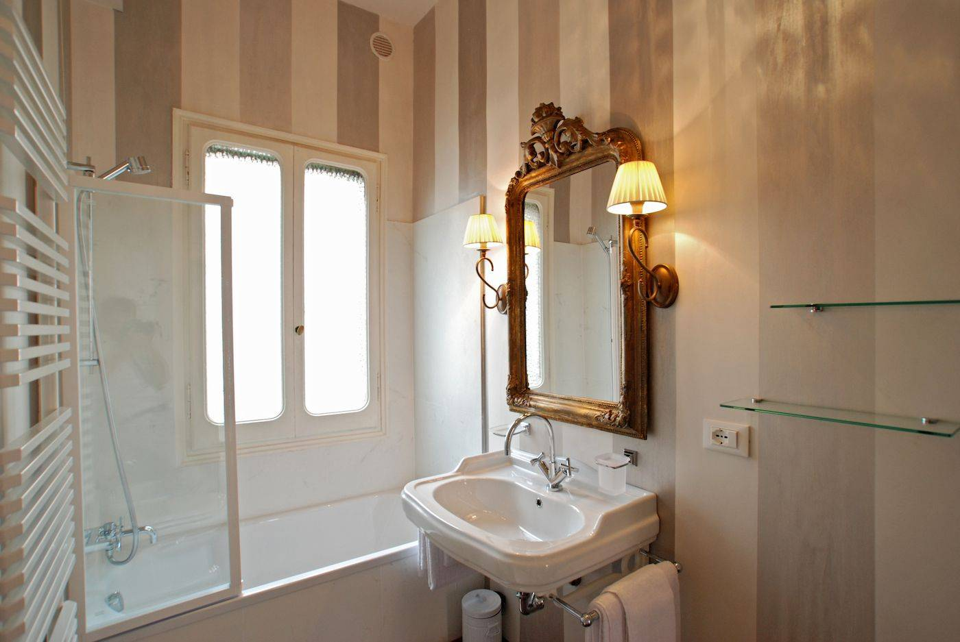 elegant second bathroom with thub