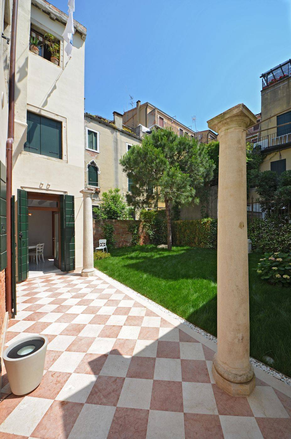 access to the Palladio Garden apartment from the shared garden