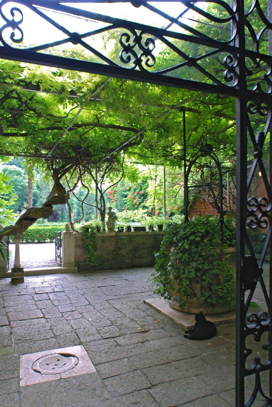 the stunning entrance to the private garden