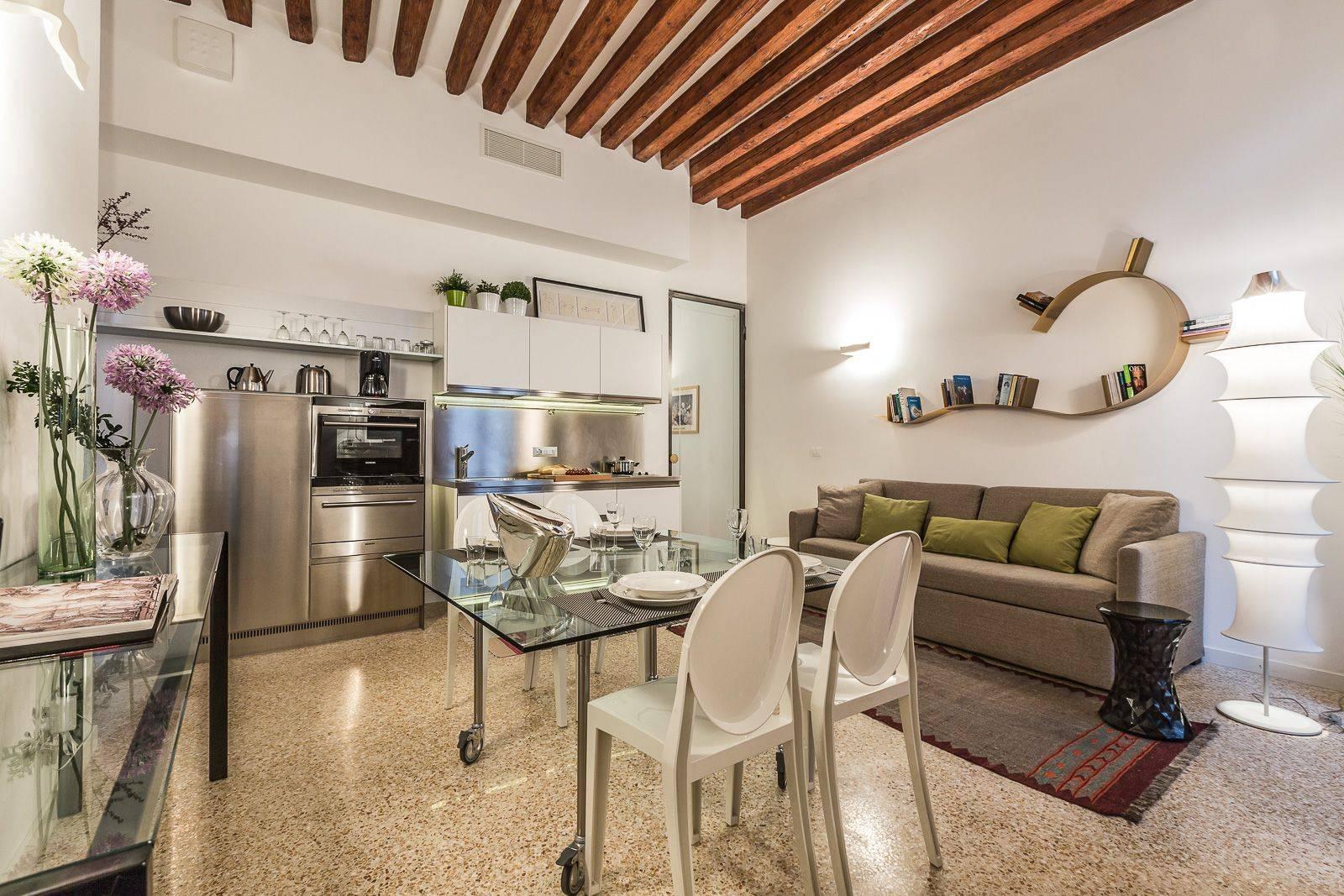 the San Lorenzo apartment stylish living room