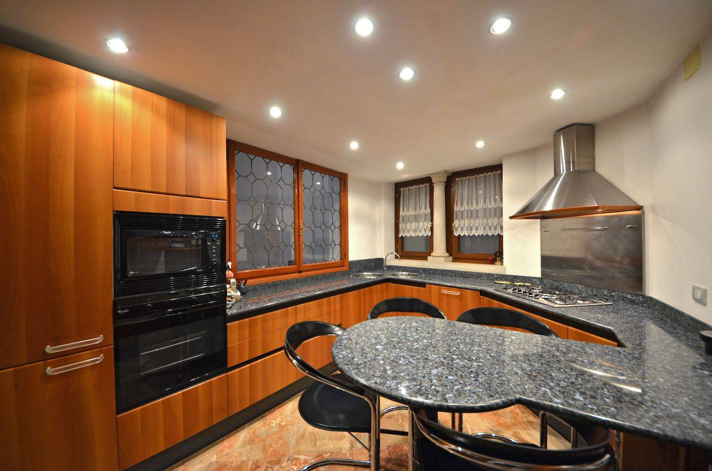 practical and fully equipped kitchen