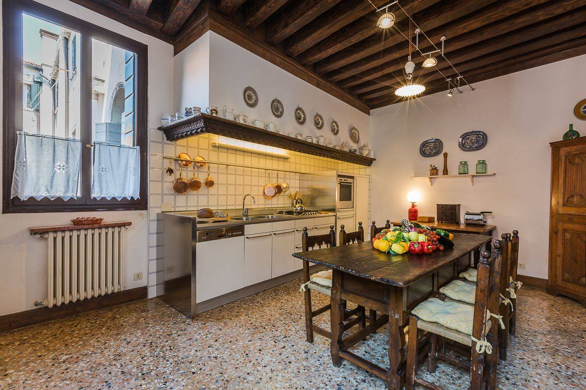 professional and well equipped kitchen, suitable also for catering service