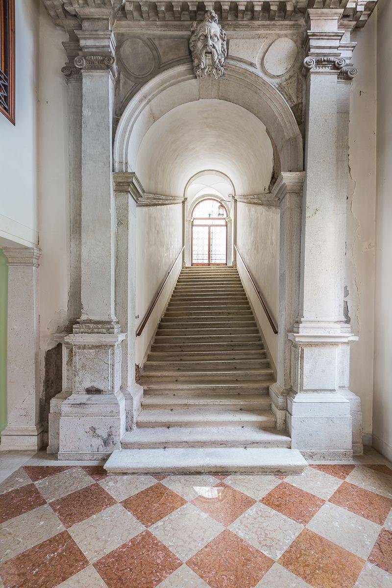 the monumental stairway that leads to the Rossini apartment