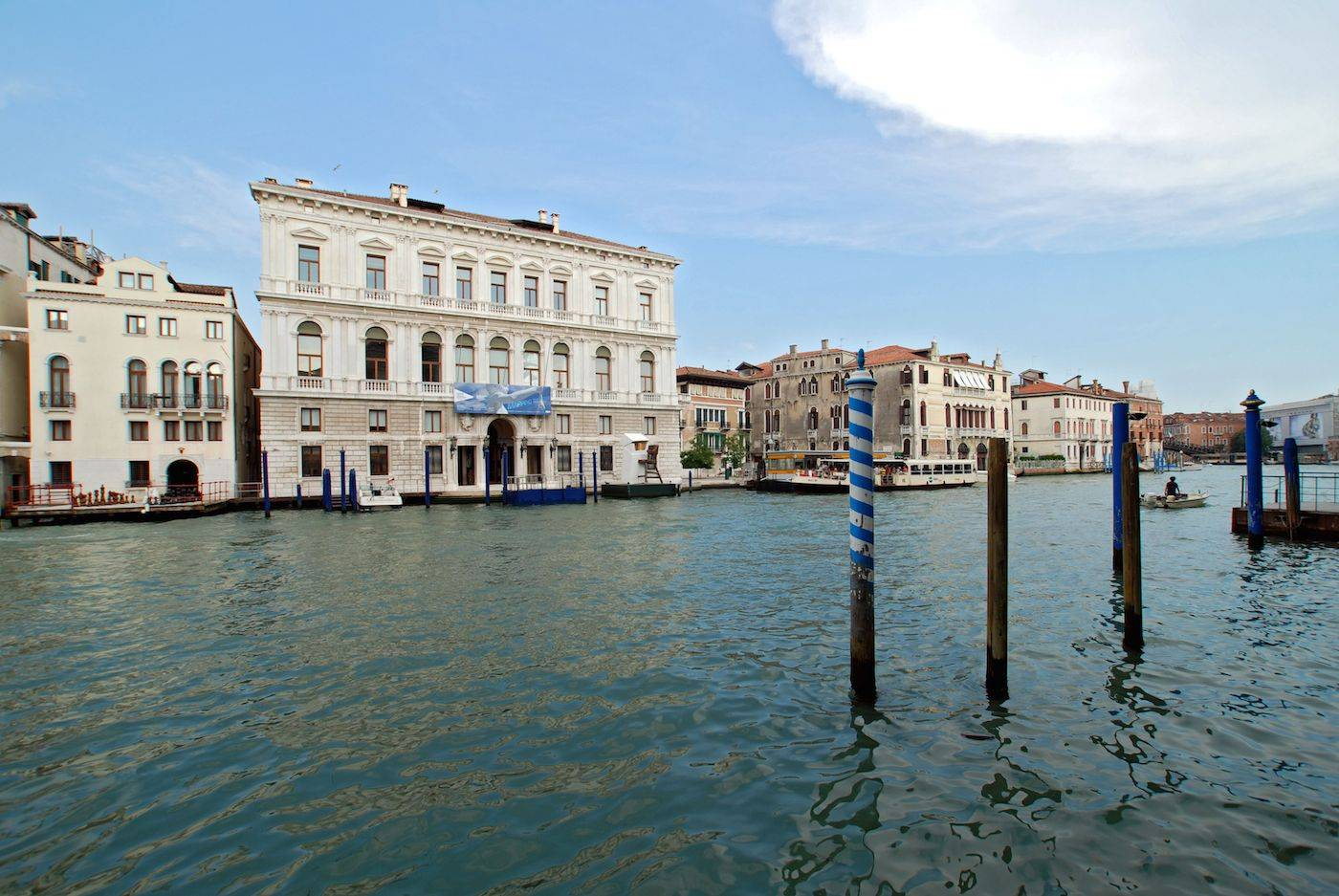 the amazing view on the Grand Canal from the living room