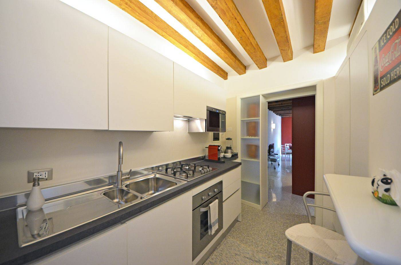 brand new and well eqipped kitchen of the Palladio Garden apartment