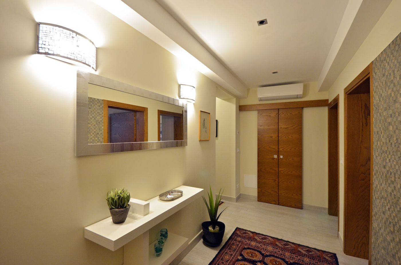 spacious entrance room