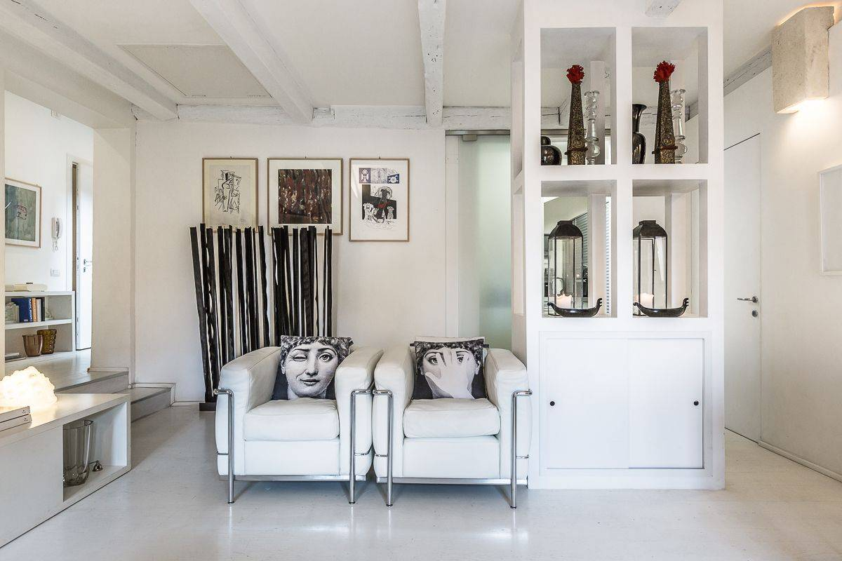 the Leonessa suits best sophisticated guests
