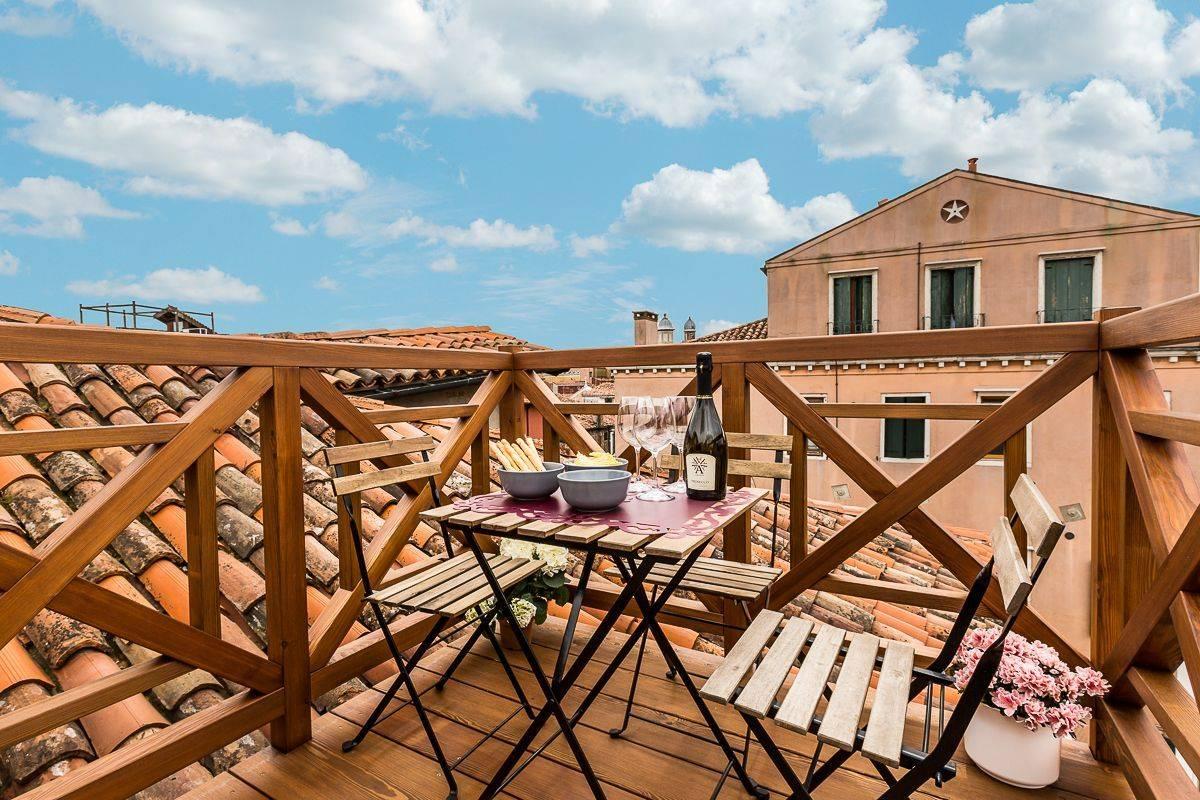 roof-top terrace of Guardi apartment