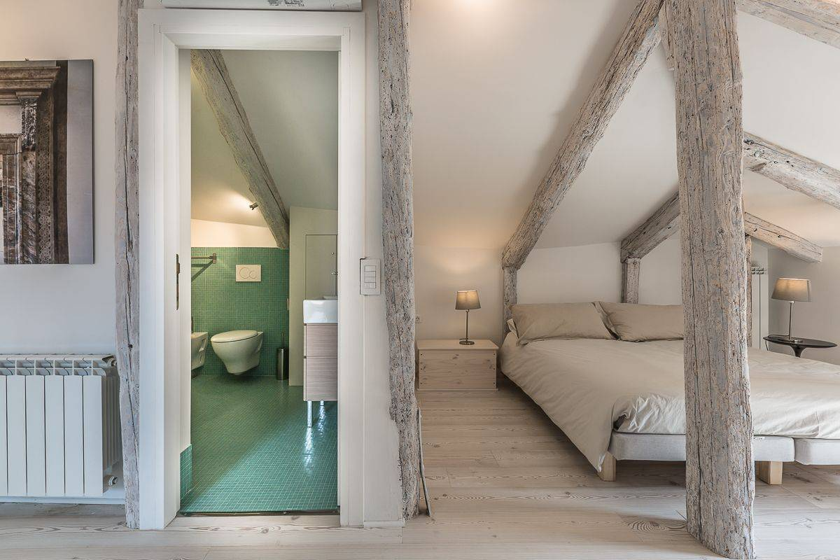 en-suite bathroom of bedroom 3