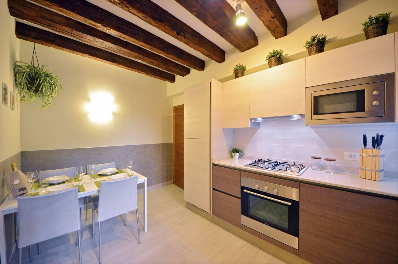 kitchen of the Cà Pesaro Suite