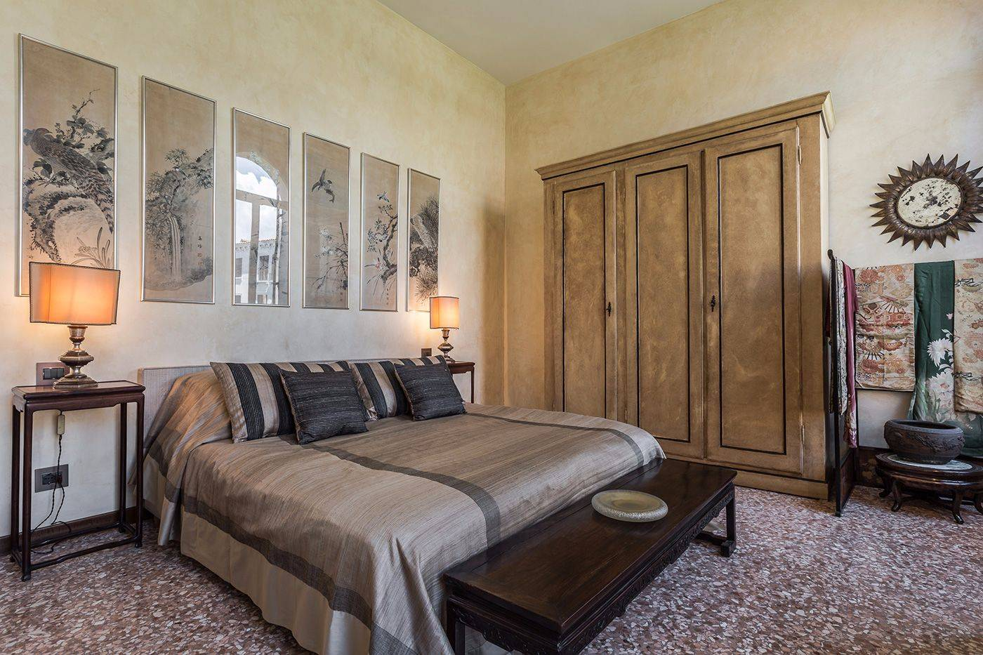 bedroom 2 with smaller en-suite bathroom