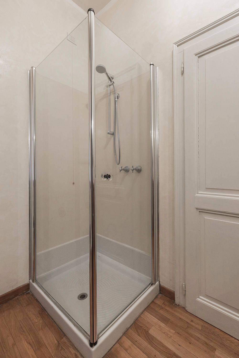 and a large shower cabin
