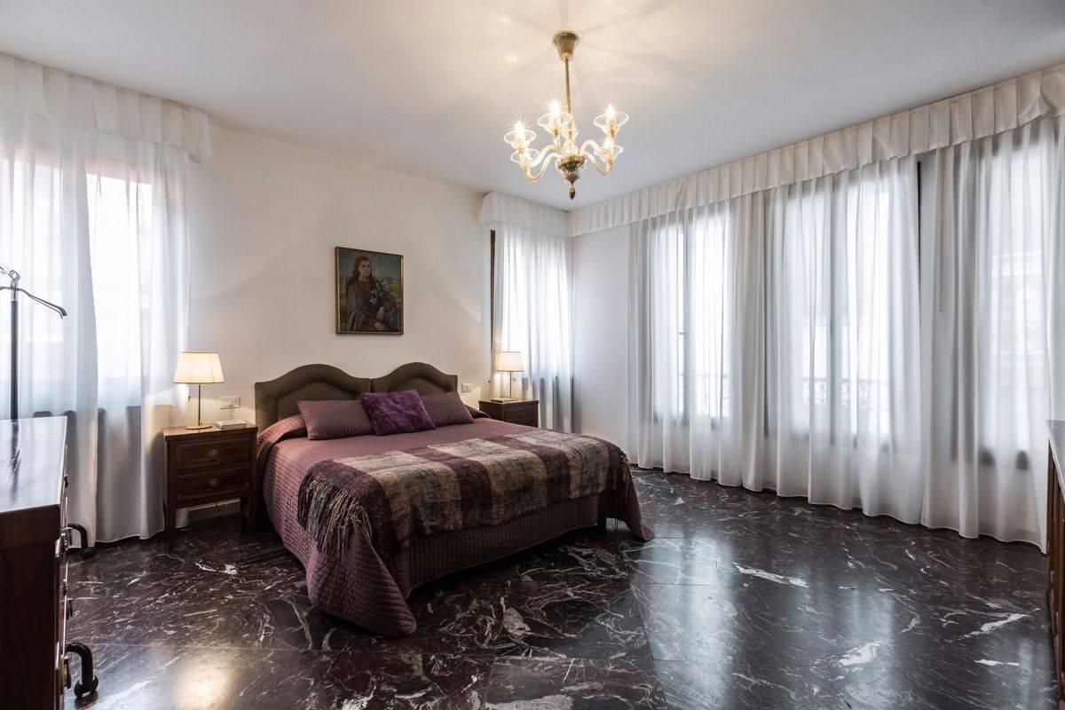 Angelo Gabriele: bedroom 1