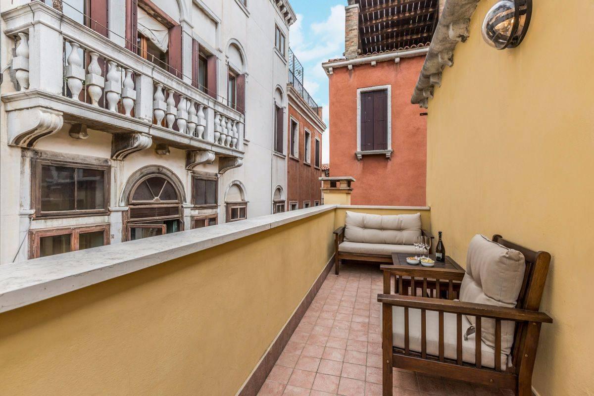 Angelo Gabriele: terrace