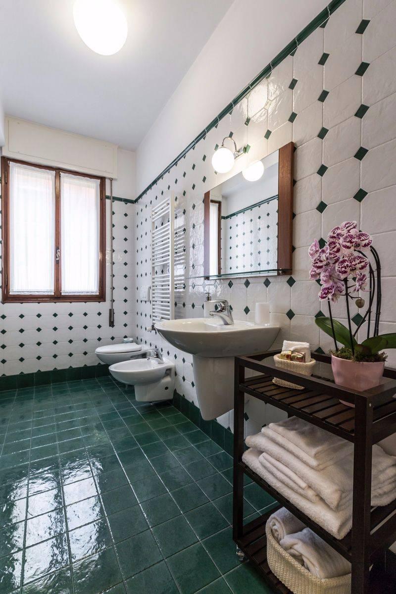 Angelo Raffaele bathroom 1