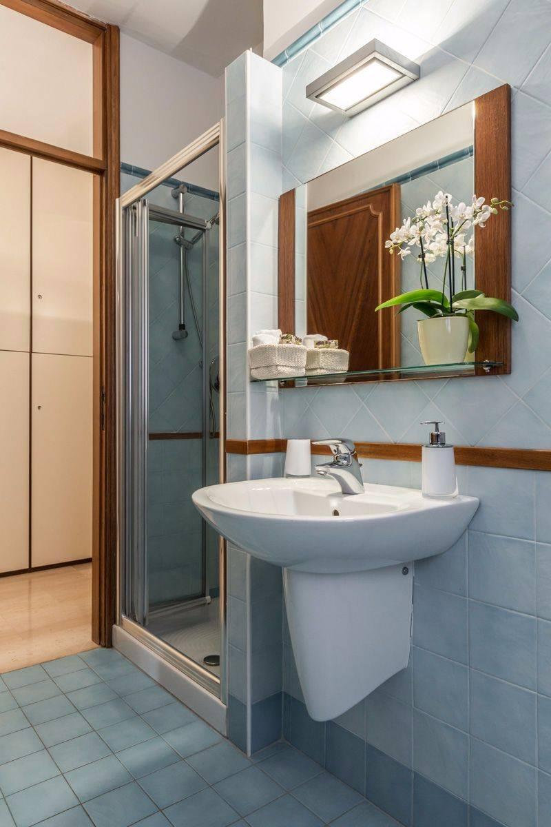 Angelo Raffaele bathroom 2