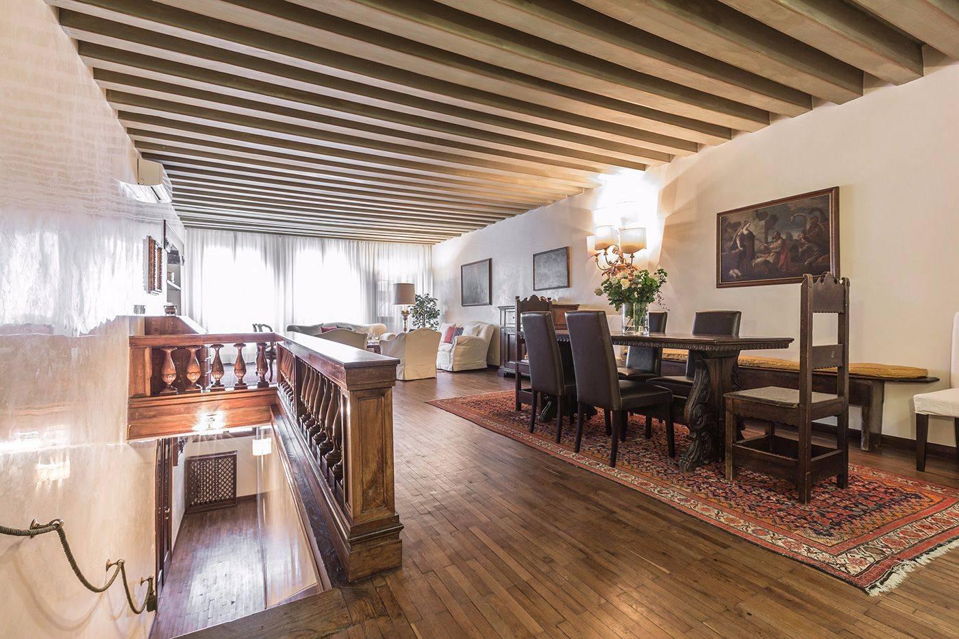Michiel apartment Truly Venetian living room