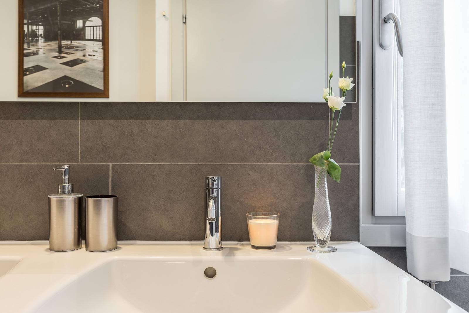 elegant detail of the main bathroom