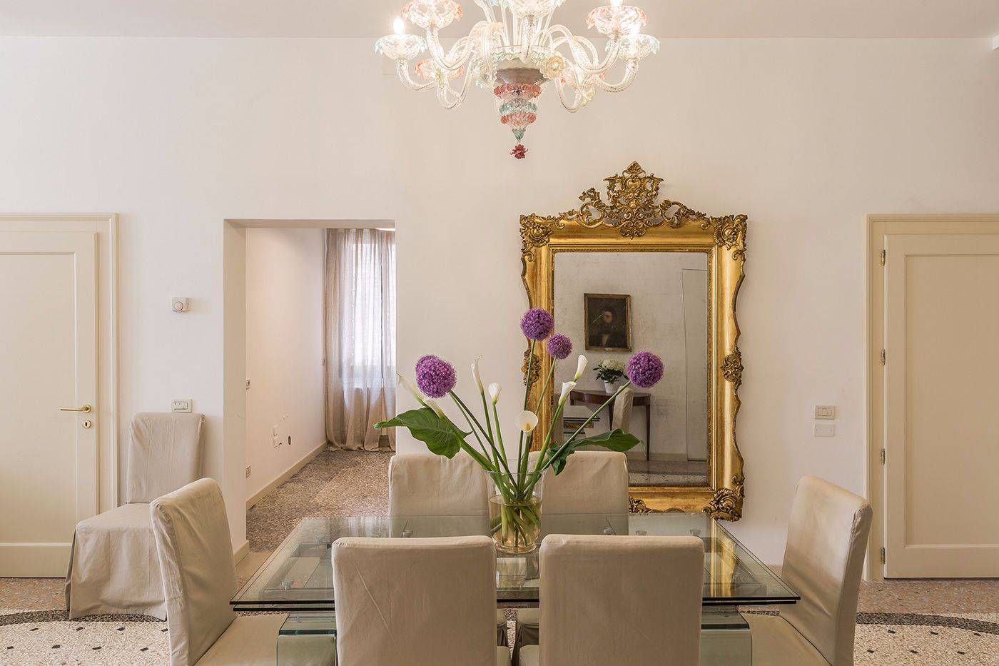 the authentic Venetian architecture blends perfectly with the moderm cleanliness of the interiors