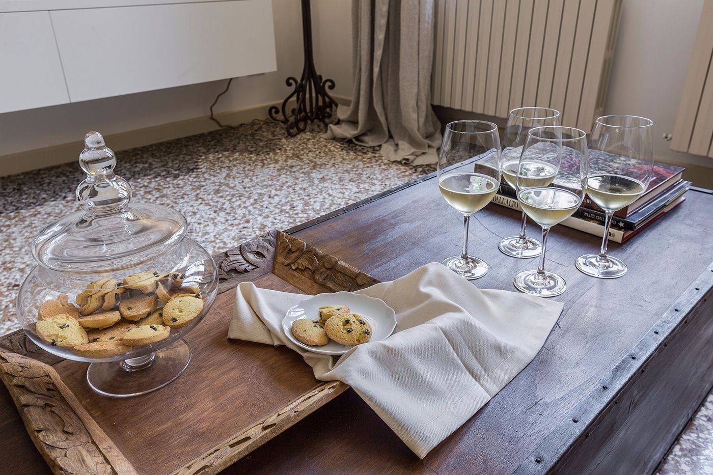 relax with your friends after a day of sightseeing with a glass of Prosecco and some delicious local specialities