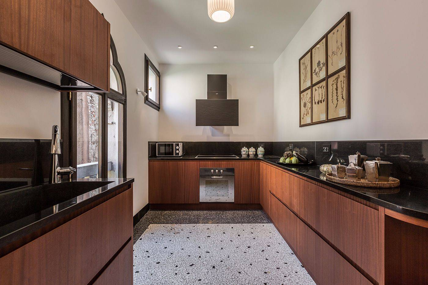 brand new, spacious and luxurious kitchen