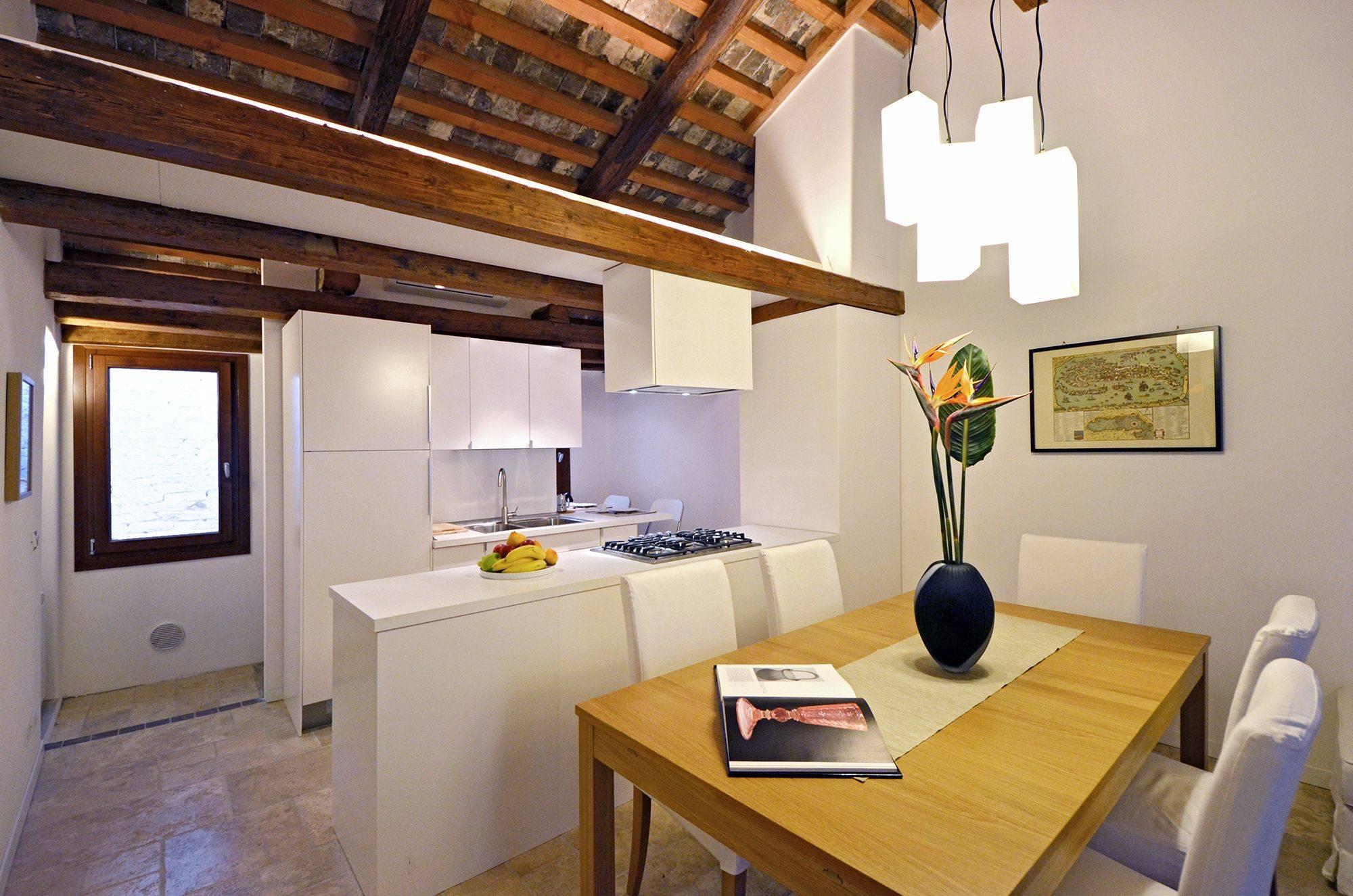 3rd floor living/dining room