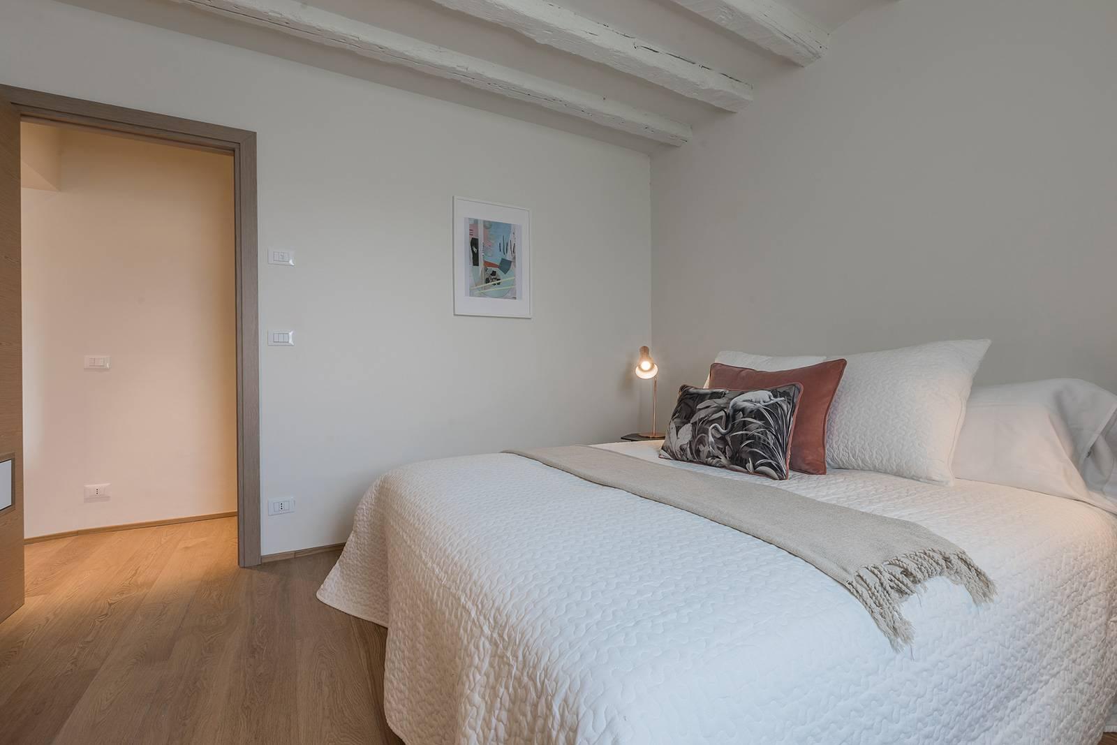 opposite view of the bedroom
