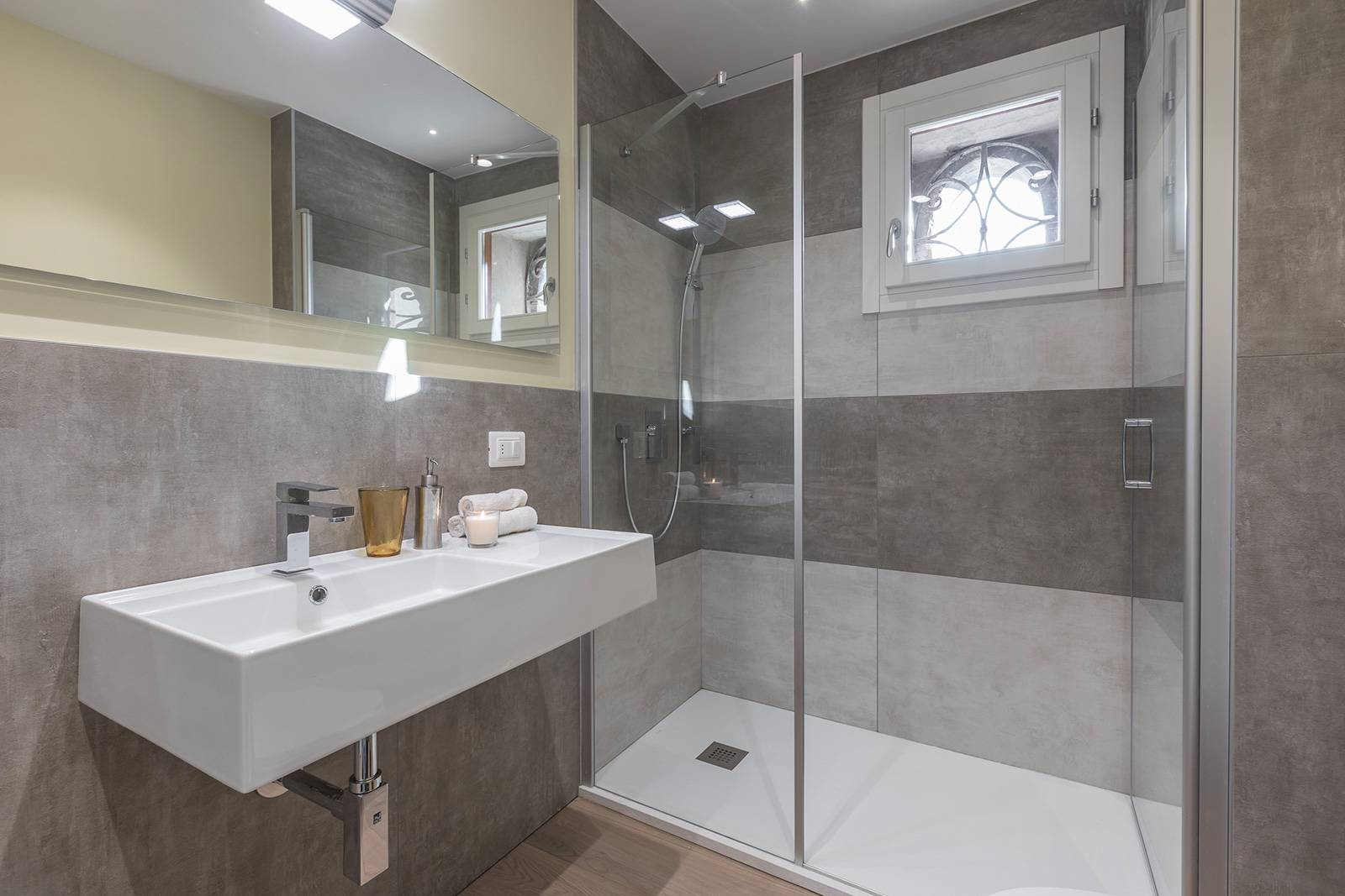 fourth bathroom connected to the bedroom at the ground floor