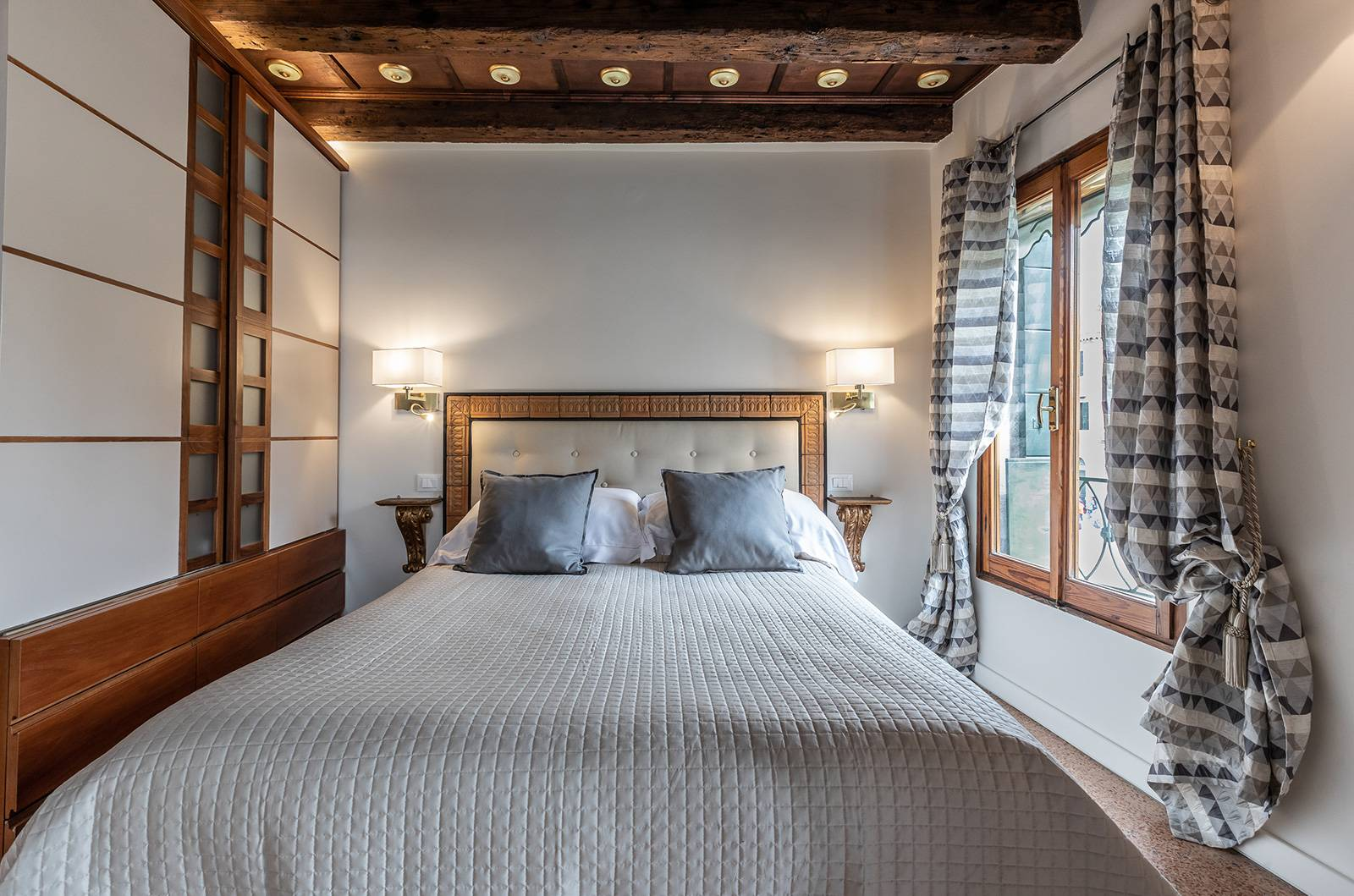 there is a comfortable double bed with pleanty of wardrobe space