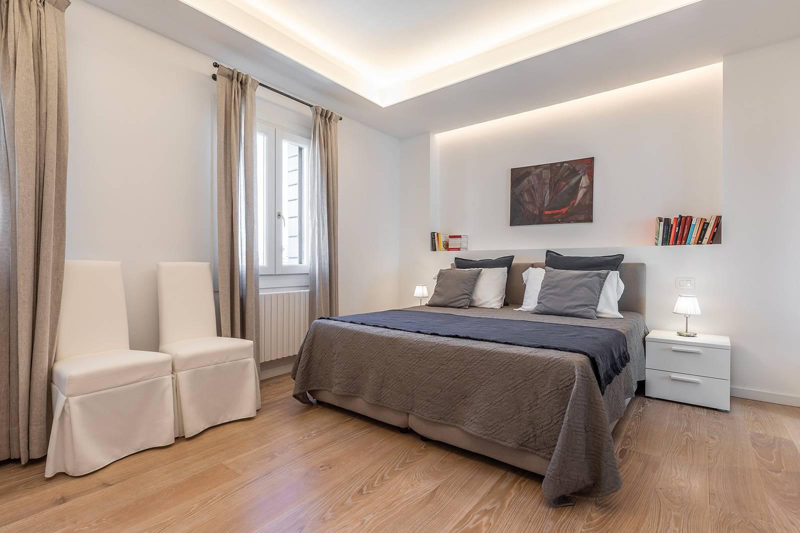second bedroom with en-suite bathroom