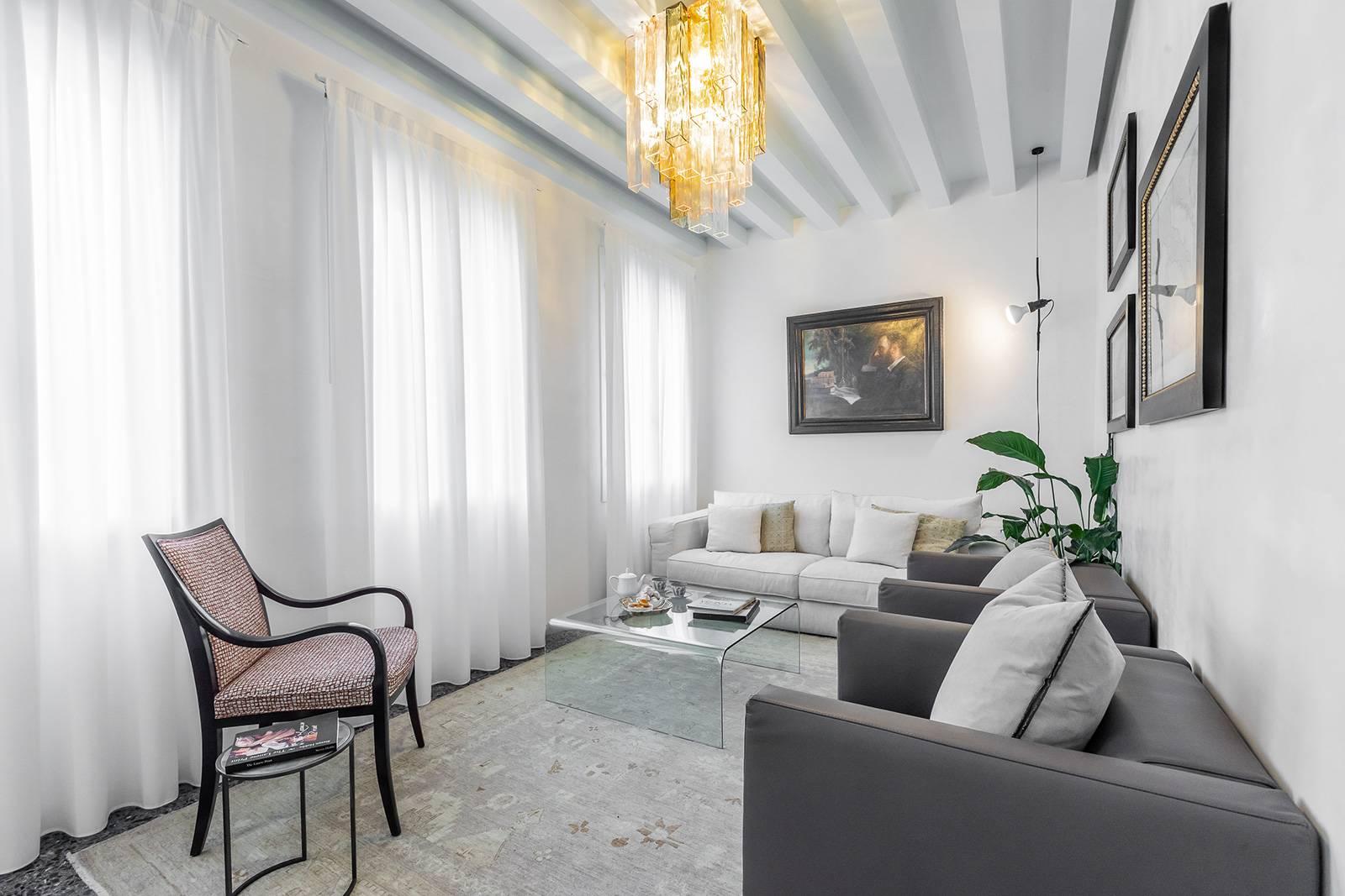 the elegant San Trovaso Prestige Living room