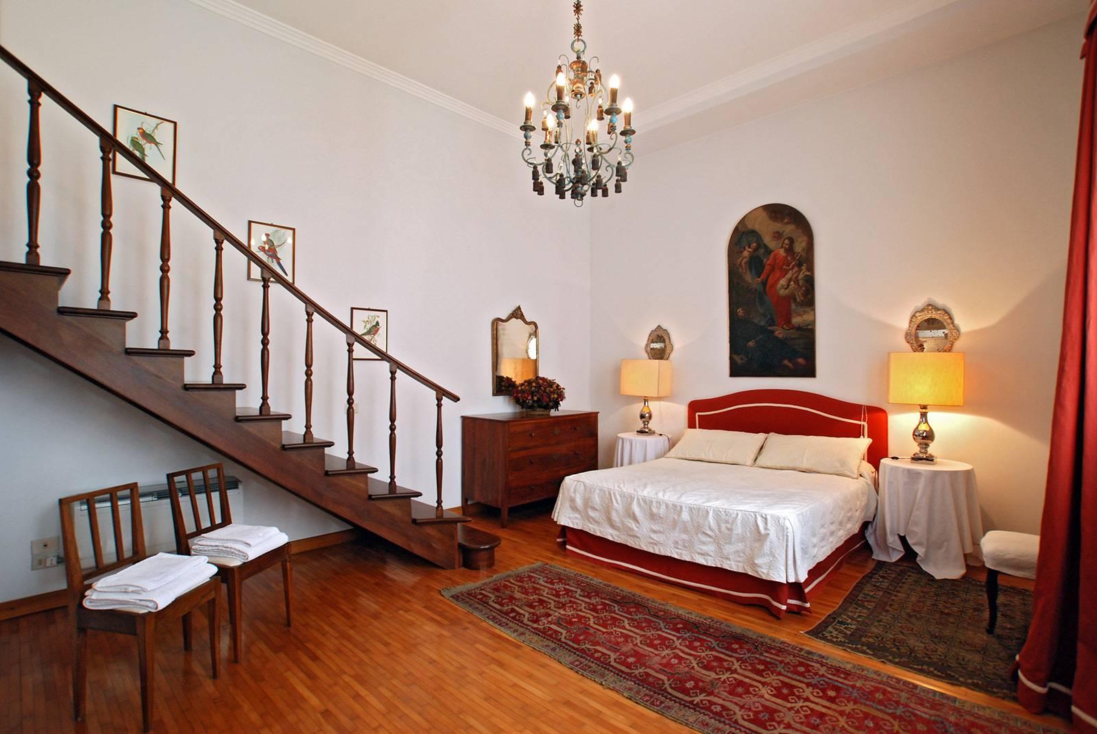 Rezzonico Garden Apartment: 1st bedroom