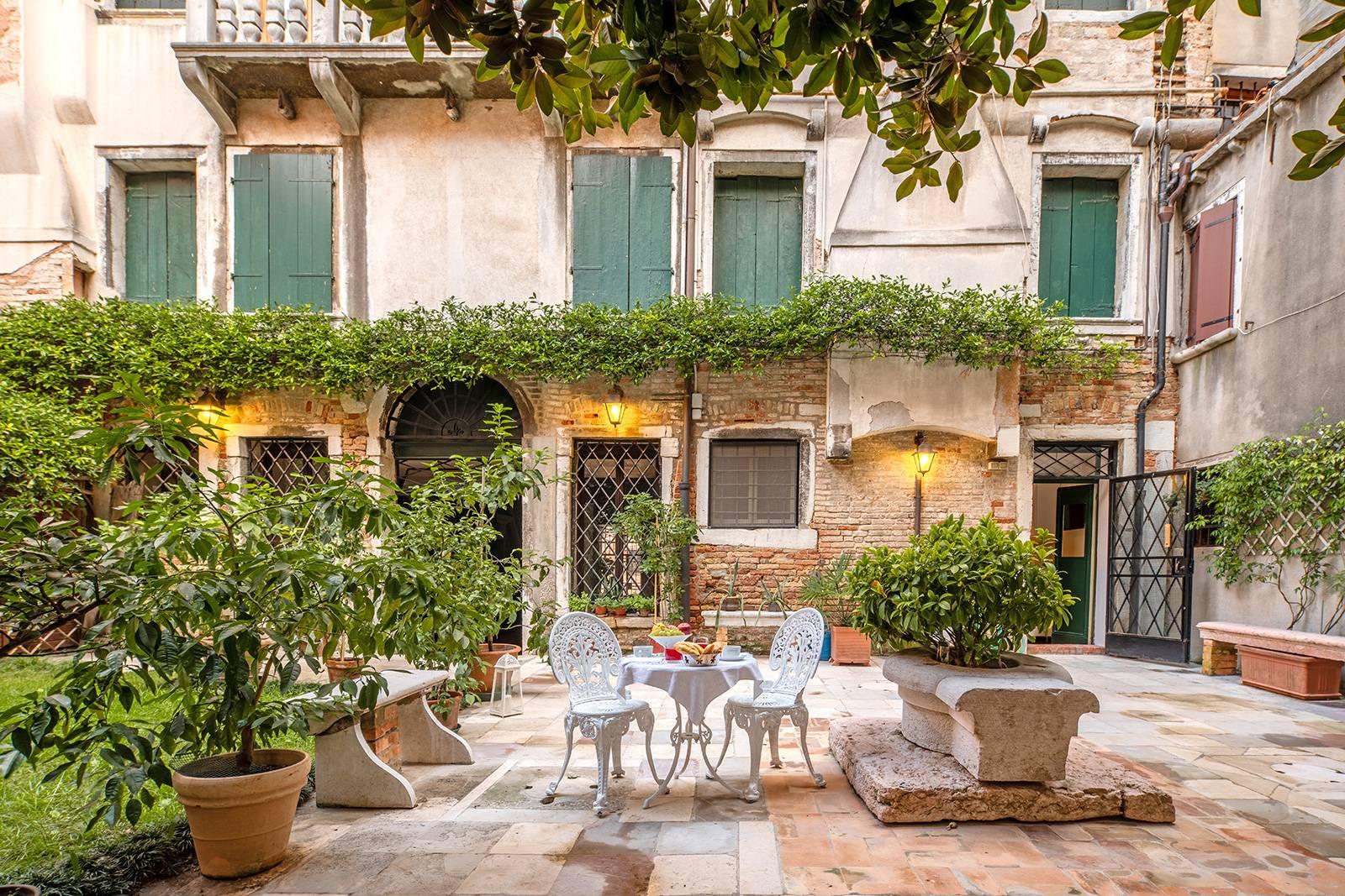 The Private Garden of the Brunelleschi Studio