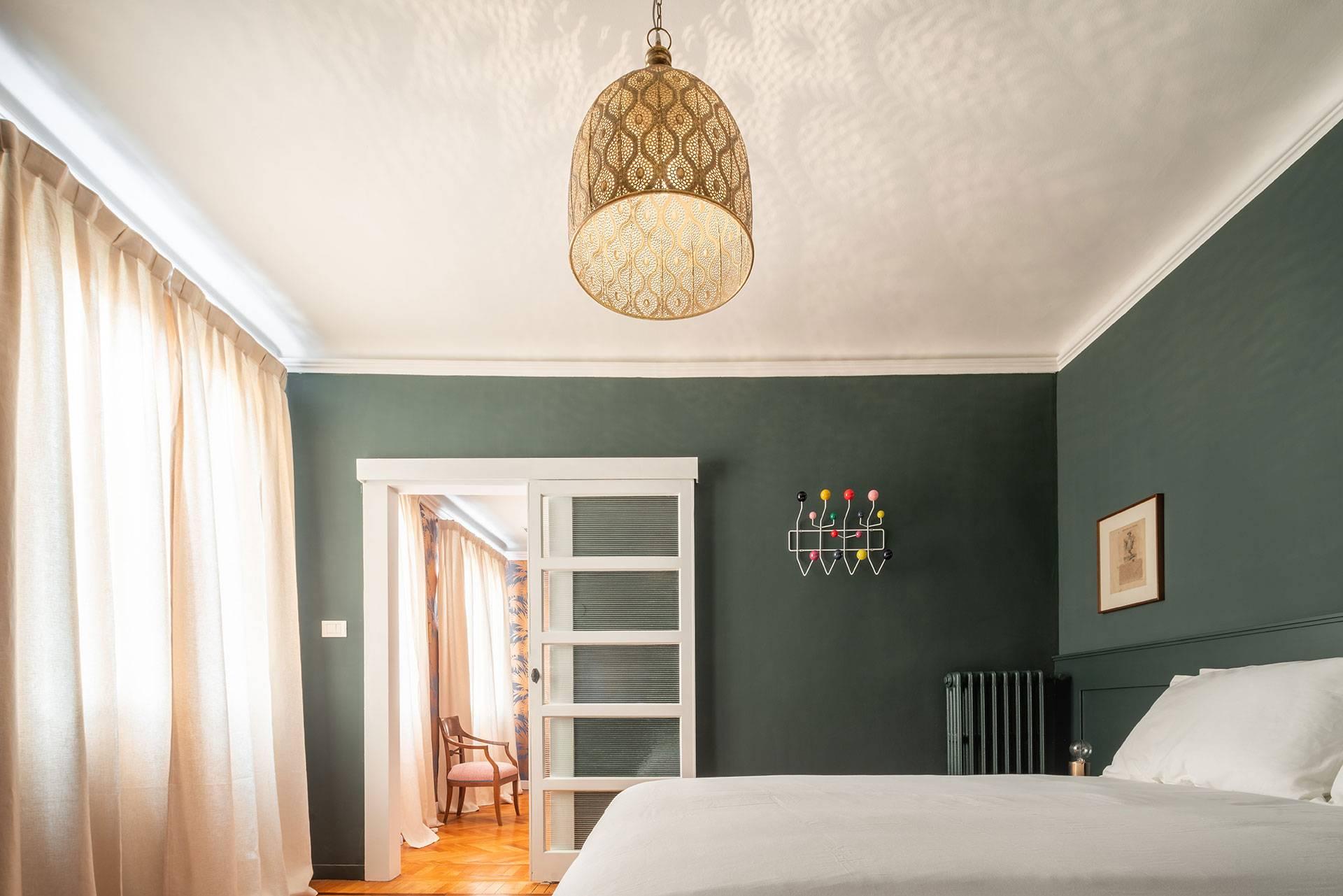 4th floor: double bedroom
