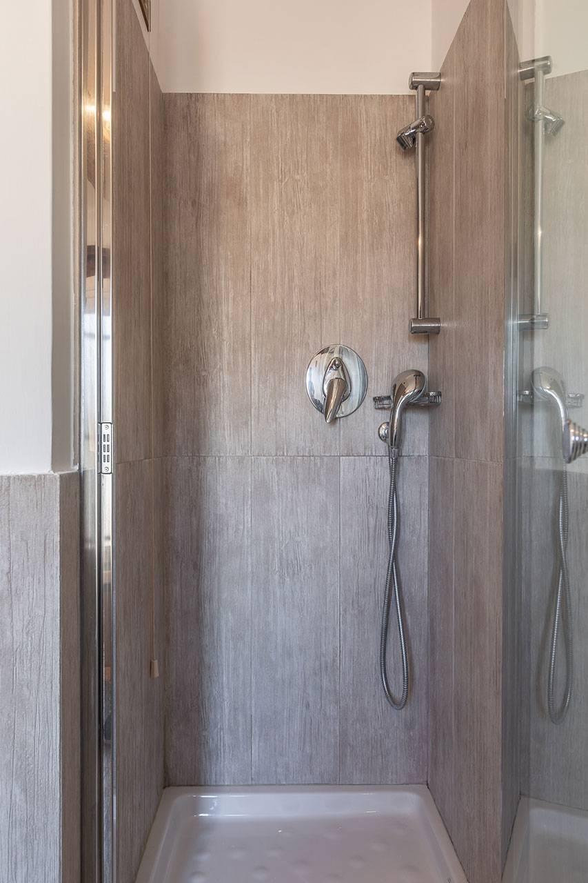 3rd bathroom shower