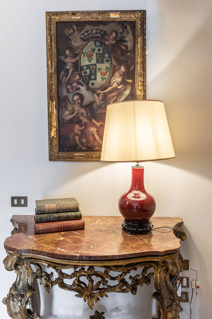 valuable antiques and refined details are everywhere