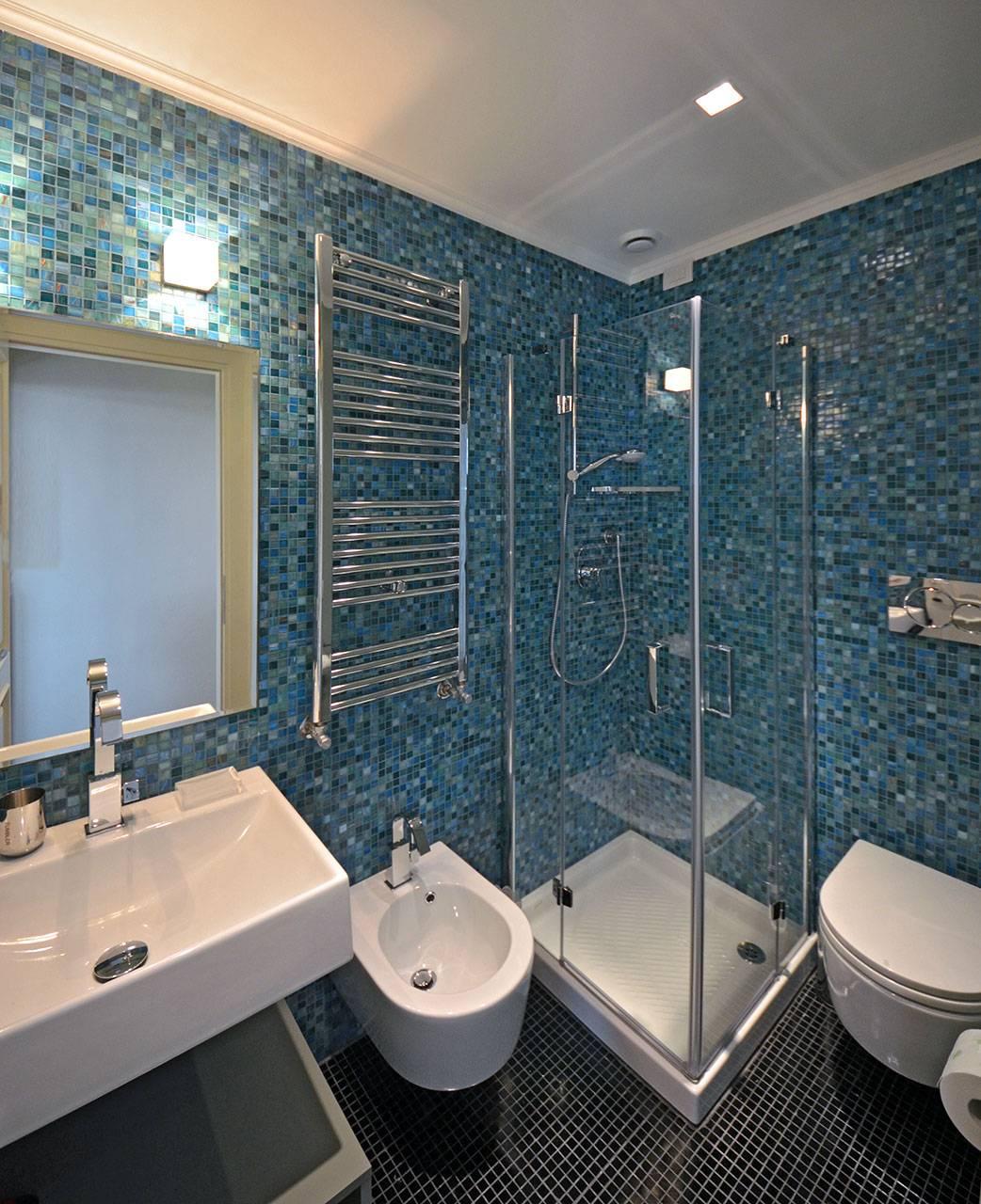 bathroom of the 2nd bedroom