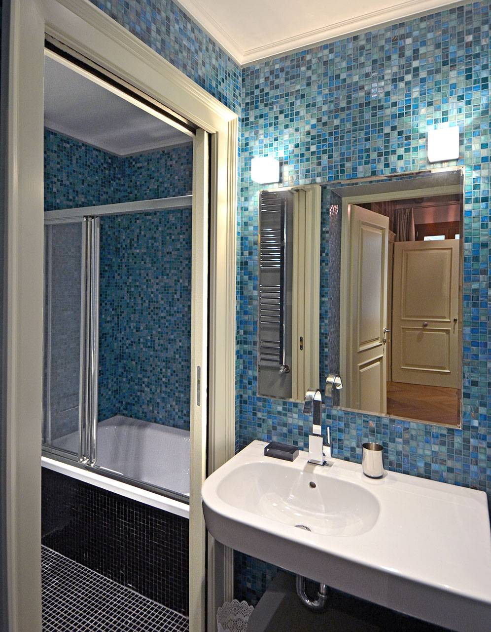 bathroom connected to the dining room