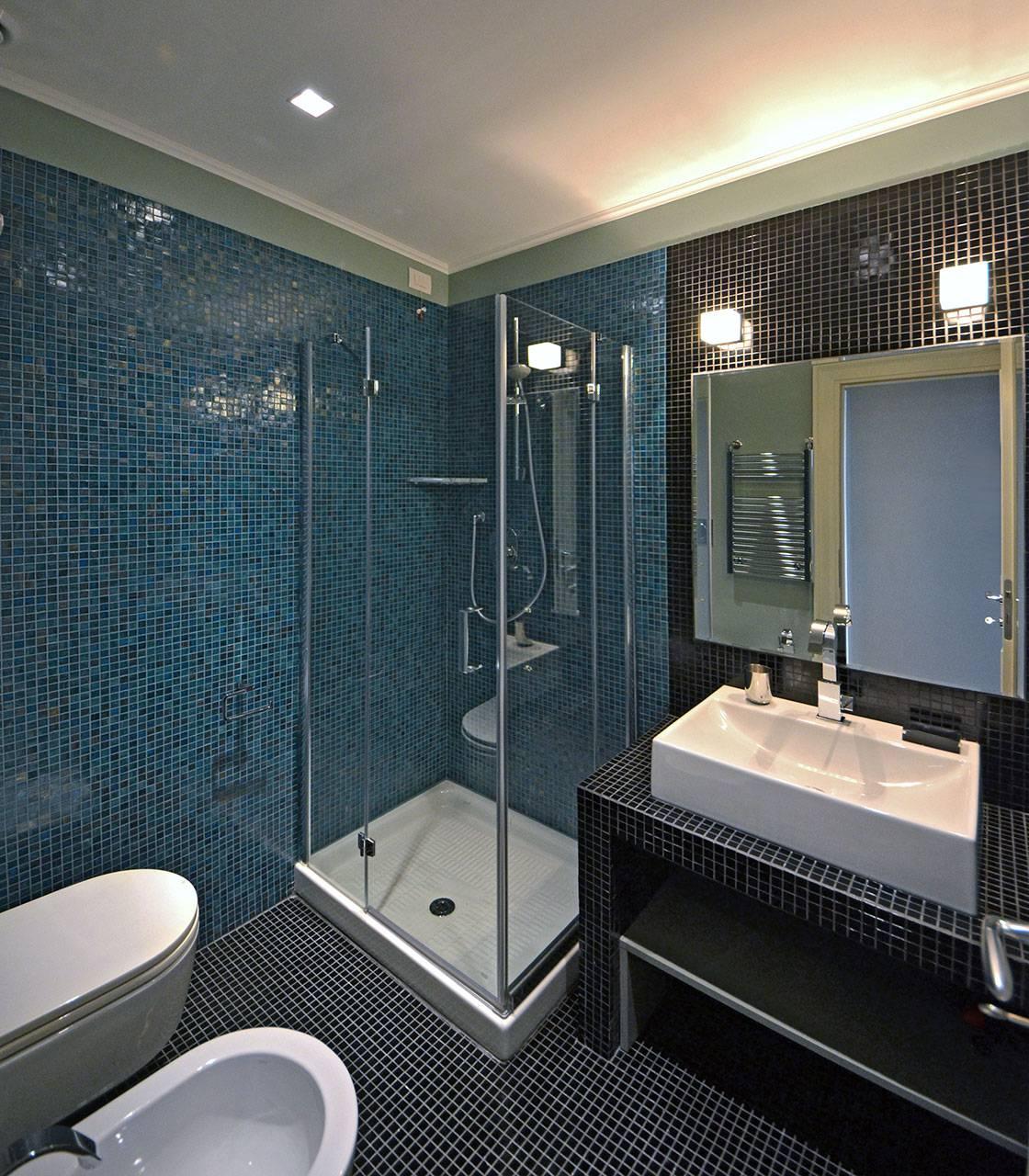 en-suite bathroom of the 3rd bedroom