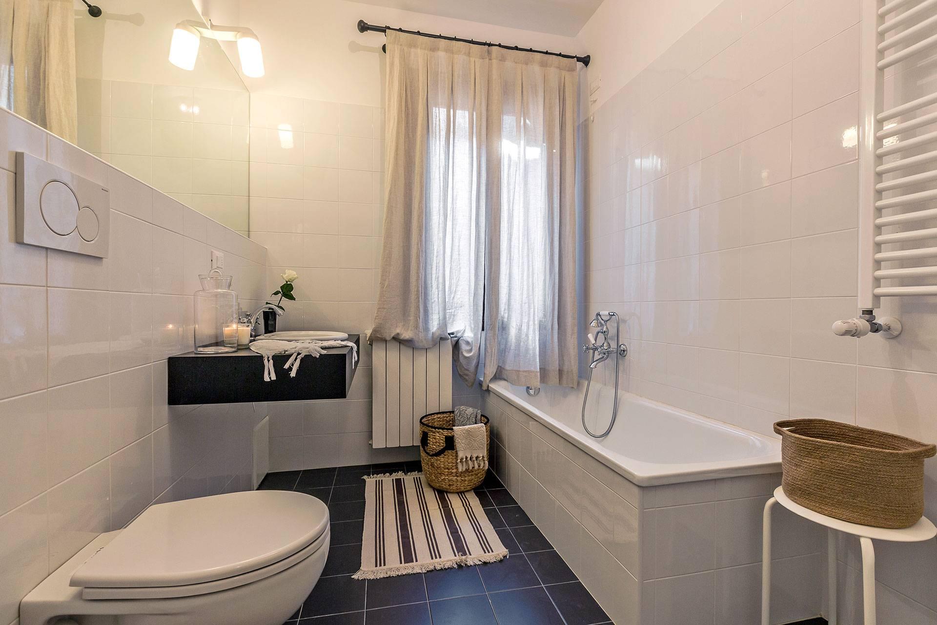 spacious bathroom 1 with bathtub
